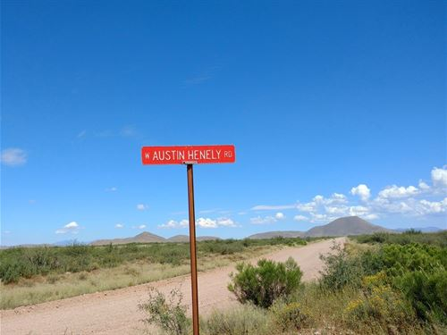 Beautiful Parcel With Great Views : Elfrida : Cochise County : Arizona
