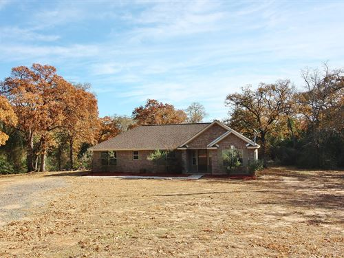 Beautiful Home Acreage Leon County : Marquez : Leon County : Texas