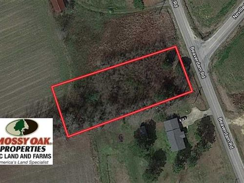 .6 Acres of Residential Land For : Enfield : Halifax County : North Carolina