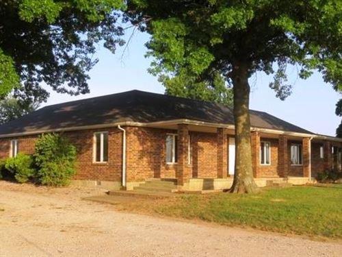 Country Home And 18 Acres For Sale : El Dorado Springs : Cedar County : Missouri