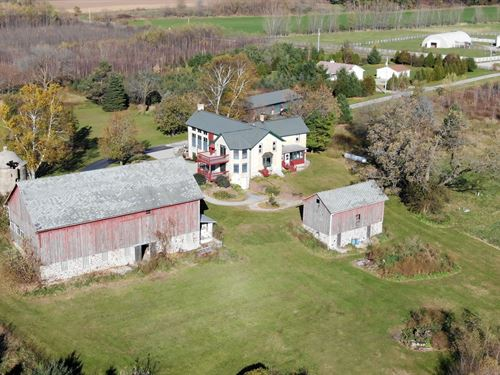 13Ac, 4-Bd Cream City Brick Estate : Juneau : Dodge County : Wisconsin