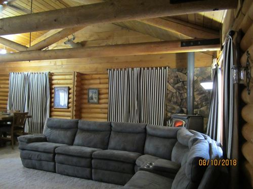 3/Bed 2Bath 1400 Sq.Ft Log Home : Adin : Modoc County : California