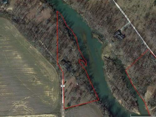 Residential Home on 2 Acre Lot on : Poplar Bluff : Butler County : Missouri