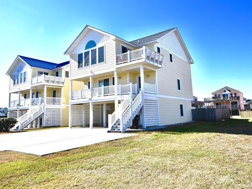 3 Story, Contemporary, Beach Home : Kill Devil Hills : Dare County : North Carolina