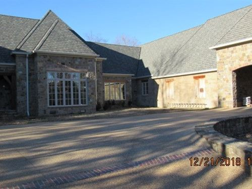Custom Country Lake Home Dequeen : De Queen : Arkansas County : Arkansas