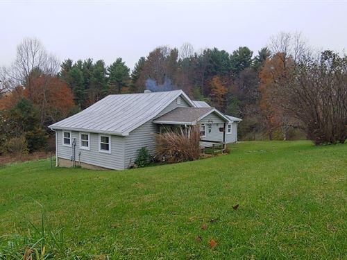 Comfortable Country Home Check VA : Check : Floyd County : Virginia
