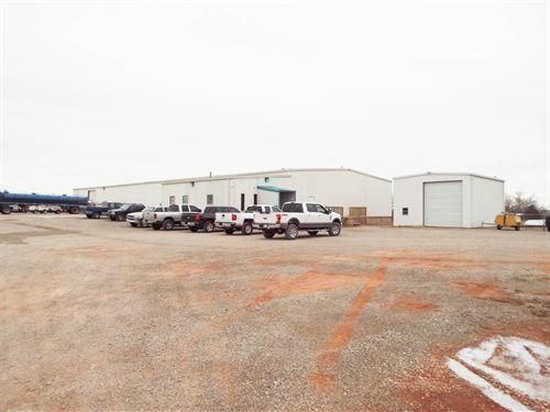 Truck Yard/ Railroad Spur On 8 Acre : Clinton : Washita County : Oklahoma