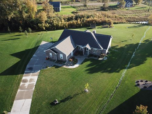 Beautiful Luxury Home Omro : Omro : Winnebago County : Wisconsin