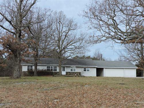 Home Shade Trees Small Acreage Bull : Harrison : Boone County : Arkansas