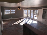 Very Nice 4 Bedroom Home 8 : Willow Springs : Howell County : Missouri