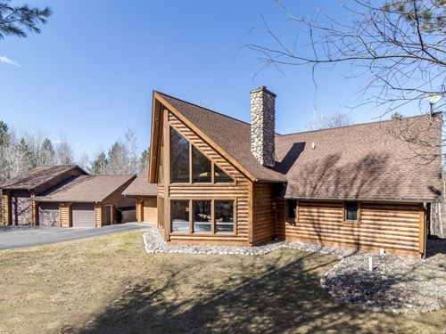 Gorgeous Tomahawk Log Home & 11 Ac : Minocqua : Oneida County : Wisconsin