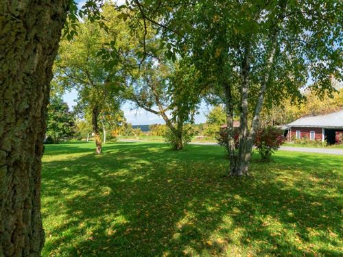 Country Ranch Home : Sharon Springs : Schoharie County : New York