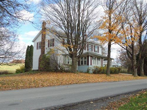 Country Farmhouse : Sharon Springs : Schoharie County : New York