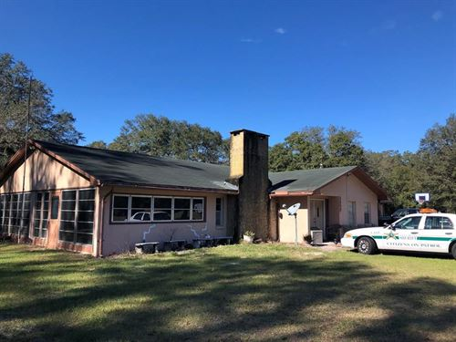 4/2 Block Home On 10 Ac 777118 : Chiefland : Levy County : Florida