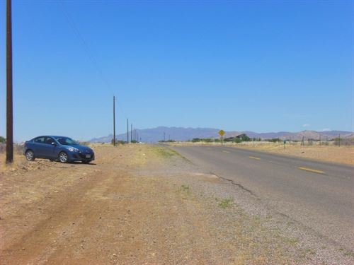 Beautiful Lot, Paved Road, Power : Douglas : Cochise County : Arizona