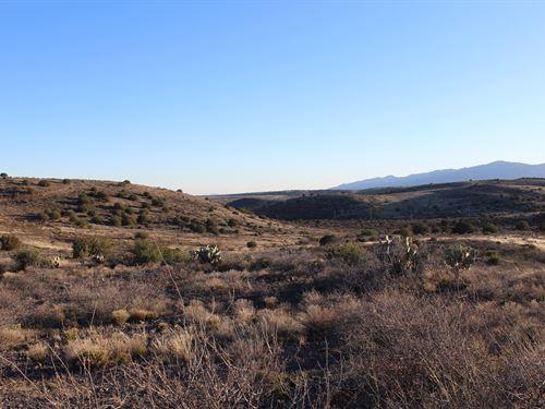 Building Site Gated Community North : Mayer : Yavapai County : Arizona