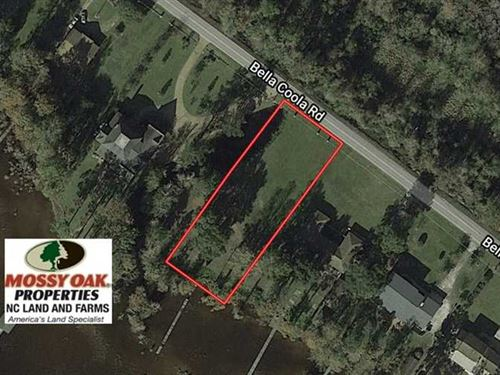 .66 Acre Residential Lot For Sale : Lake Waccamaw : Columbus County : North Carolina