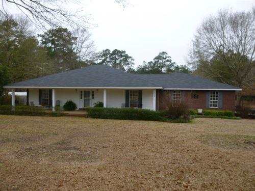 1029 Woodland Lane : Summit : Pike County : Mississippi