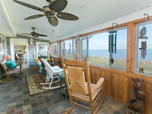 Albemarle Soundfront Home : Columbia : Tyrrell County : North Carolina