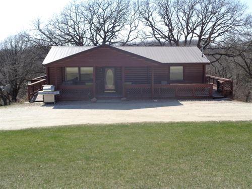 Log Sided Home 3 Bed / 2 Ba : Missouri Valley : Harrison County : Iowa
