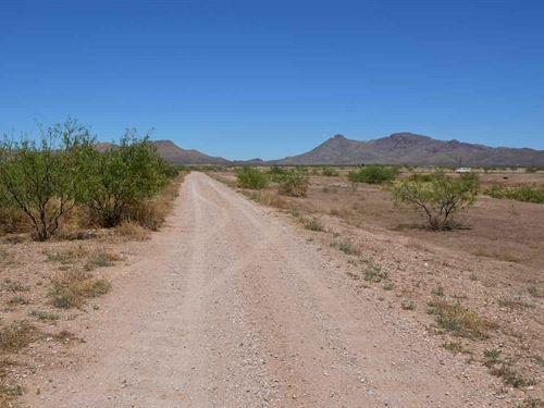 Beautiful Parcel Zoned Ru-4 : Douglas : Cochise County : Arizona
