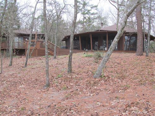 Lakefront Cabin & Guest House : Winnsboro : Wood County : Texas