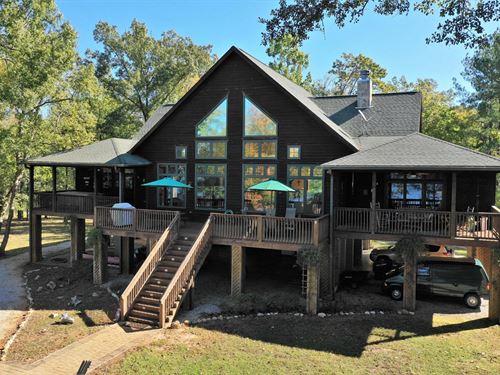 Waterfront Paradise Lake Wateree : Ridgeway : Fairfield County : South Carolina