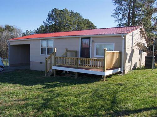 Refurbished Home Buggs Island Lake : Chase City : Mecklenburg County : Virginia