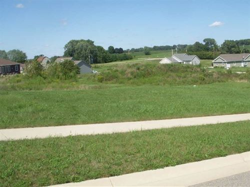 Picture Perfect Town Lot For Sale : Watertown : Dodge County : Wisconsin