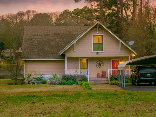 Lake Cherokee Home Auction : Henderson : Rusk County : Texas