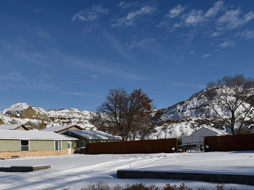 Beautiful Views on a Huge Lot : Glendive : Dawson County : Montana