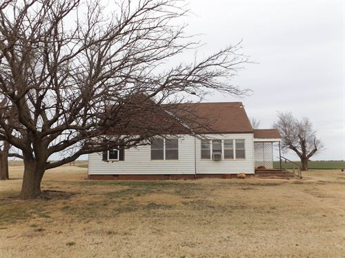 Home With 3 Acres-Shops & Barn : Hennessey : Kingfisher County : Oklahoma