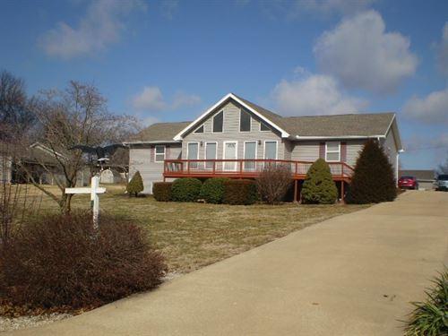 3 Br, 2 BA Country Home Truman Lake : Warsaw : Benton County : Missouri