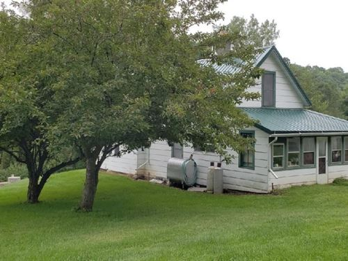 Hunting Property, Farmhouse : Richland Center : Richland County : Wisconsin