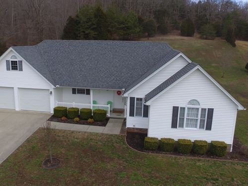 Immaculate Home Attached Garage : Liberty : Casey County : Kentucky