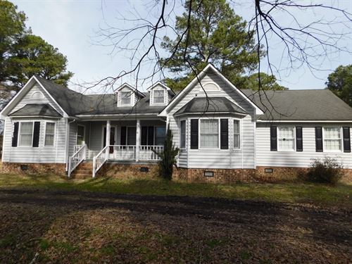 Country Home With Recent Updates : Ahoskie : Hertford County : North Carolina