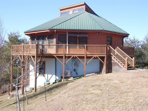 Well Maintained Cottage New River : Piney Creek : Alleghany County : North Carolina