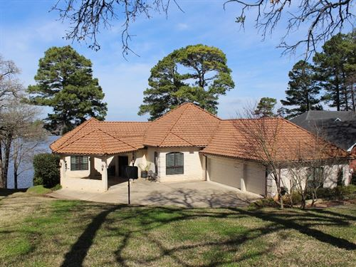 Lake Palestine Waterfront Home : Bullard : Smith County : Texas