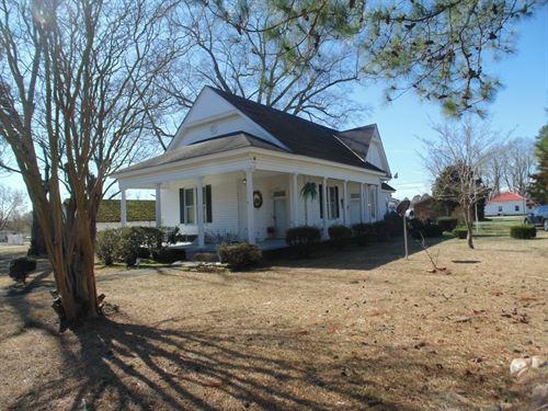 Historic Home Kelford, North : Kelford : Bertie County : North Carolina