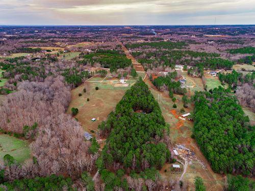 Two Homes, Barn, & 17+ Acres : Dacula : Gwinnett County : Georgia