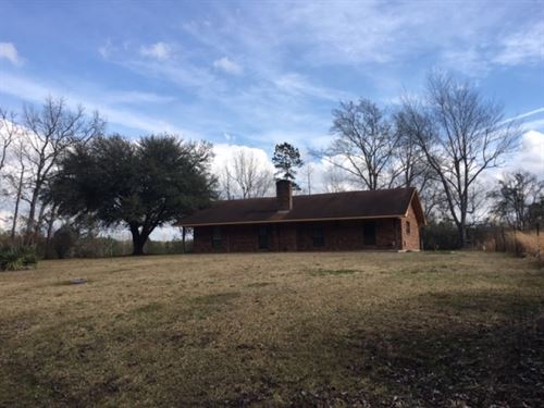 Country Home On 6.9 Acres : Tylertown : Walthall County : Mississippi