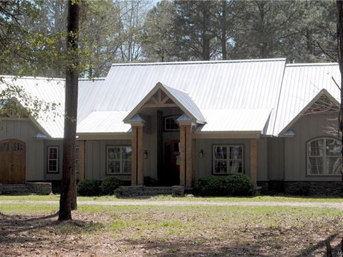 Beautiful Custom Home On 10.66+/- A : Lowndesboro : Lowndes County : Alabama