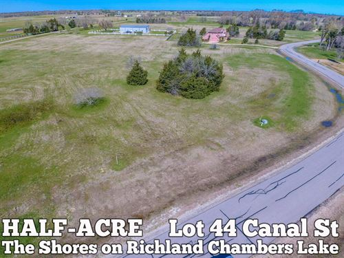 .56 Acres In Navarro County : Corsicana : Navarro County : Texas