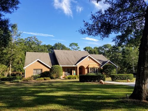 Custom Country Pool Home 2 Acres : Chiefland : Levy County : Florida