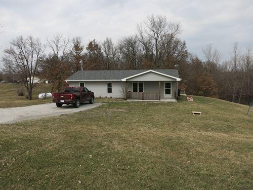 Ranch Home Small Acreage Close to : Bethany : Harrison County : Missouri