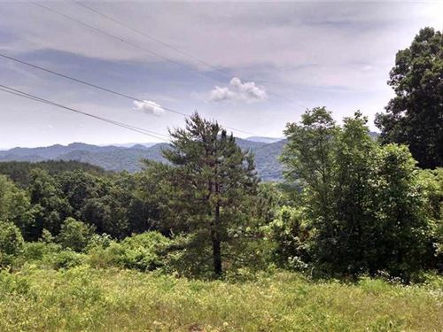 Private And Remote Location : Sneedville : Hancock County : Tennessee
