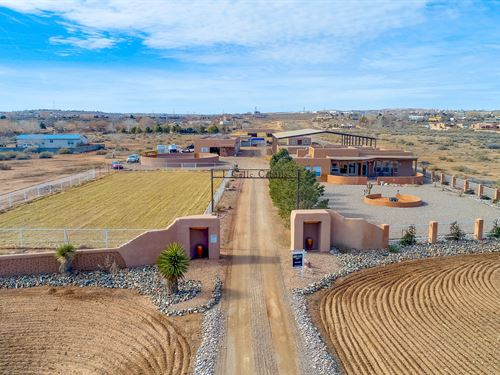 Premier Equestrian Property : Corrales : Sandoval County : New Mexico