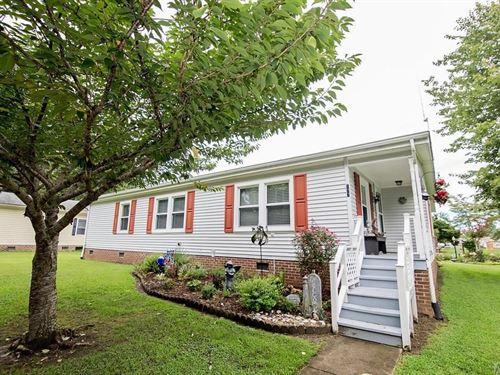 3 Bedroom, 2 Bath Canal Front Home : Hertford : Perquimans County : North Carolina
