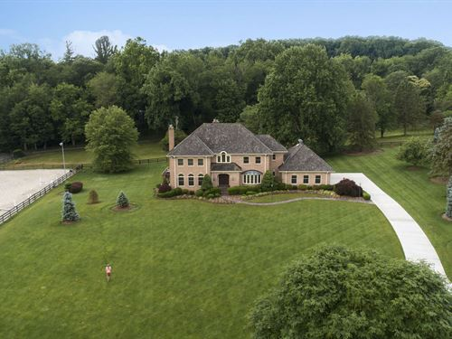 A Beautiful Home For Horses & You : Great Falls : Fairfax County : Virginia