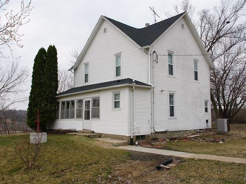 Casey Iowa Country Home : Casey : Iowa County : Iowa